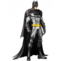 DC Comics - Justice League - ARTFX+ Series Figure - Batman 1/10 Scale Statue (20cm)