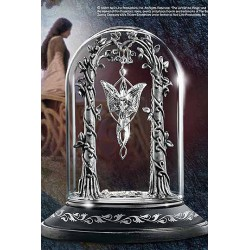 Display for the Evenstar Pendant of Arwen - The Lord of the Rings